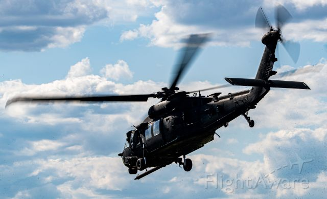 — — - Pavehawk from the 160th SOAR departing TacAir TYS.