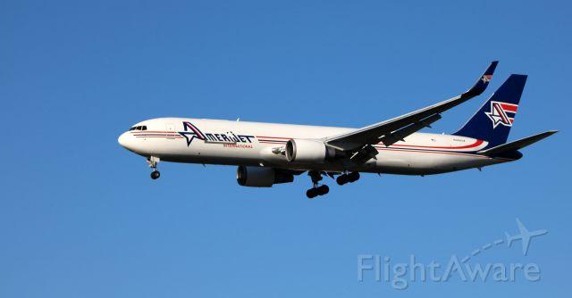 BOEING 767-300 (N349CM) - On final is this 1993 AmeriJet International Boeing 767-323 in the Autumn of 2020.