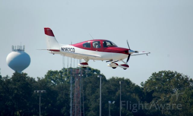 Cirrus SR-20 (N162CD) - Small Red