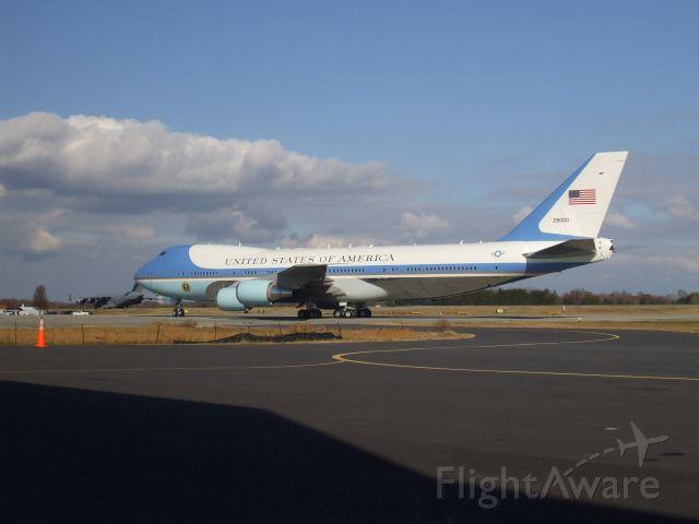 N28000 — - Air Force One in Greensboro, NC.    Photo by Austin Farnham