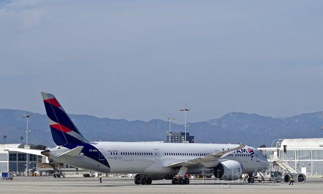 Boeing 787-9 Dreamliner (CC-BGL)
