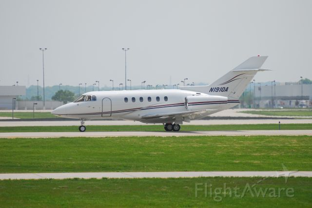 Raytheon Hawker 800 (N1910A) - New paint