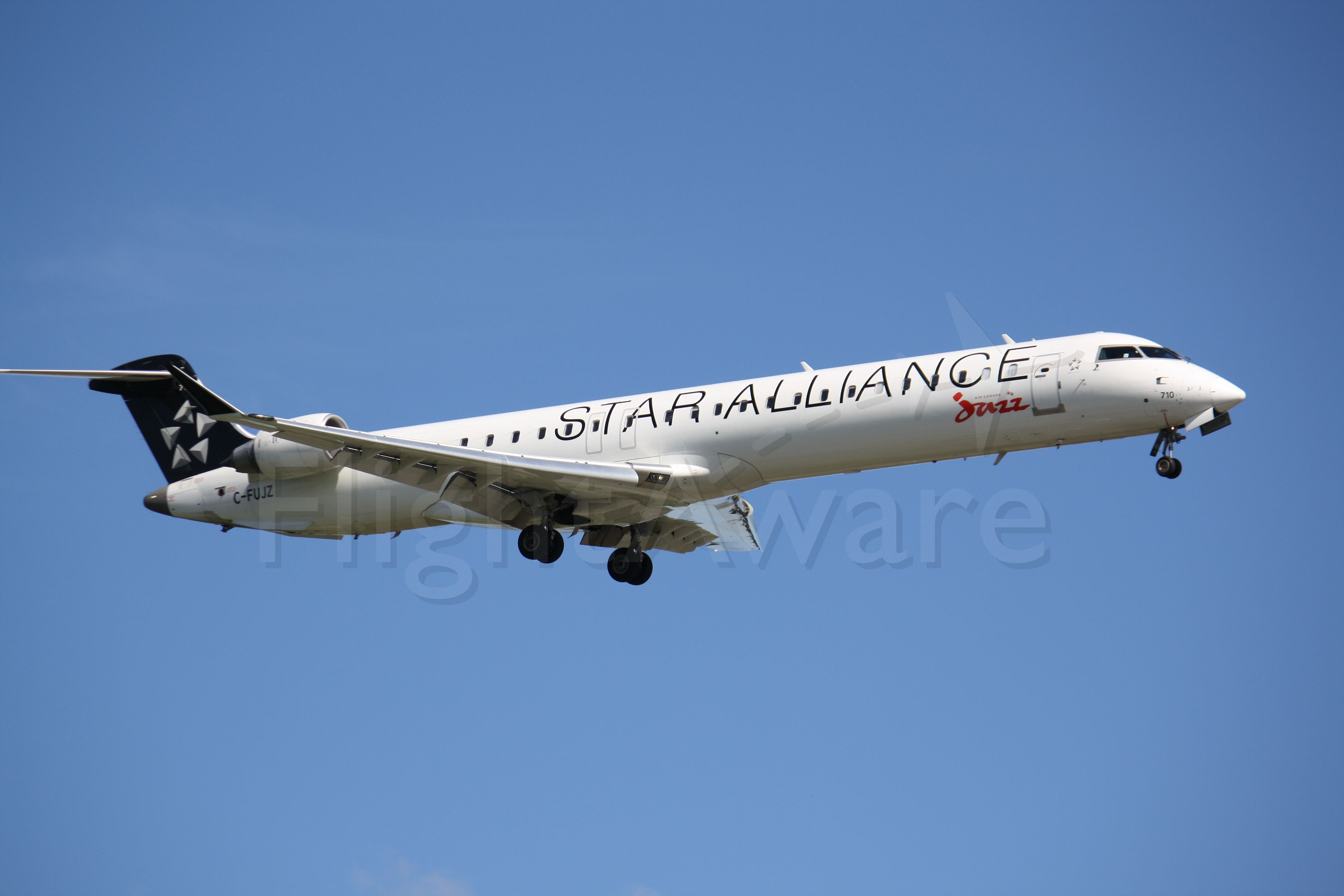 Canadair Regional Jet CRJ-700 (C-FUJZ) - Landing Lester B.Pearson Int