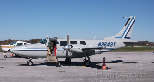 Piper Aerostar (N3643T) - Preparing for departure from Lorain County (Cleveland) OH