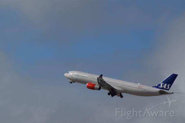 Airbus A330-300 (LN-RKR) - SAS service to Stockholm.