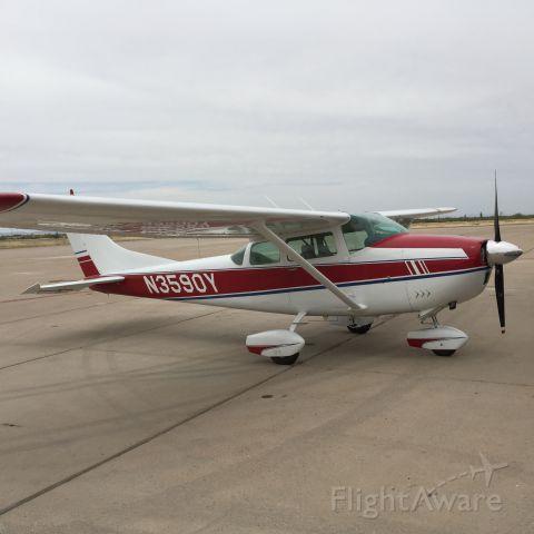 Cessna Skylane (N3590Y)