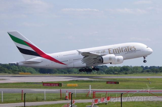 Airbus A380-800 (A6-EDJ) - Emirates A388 Manchester 14 June 2011