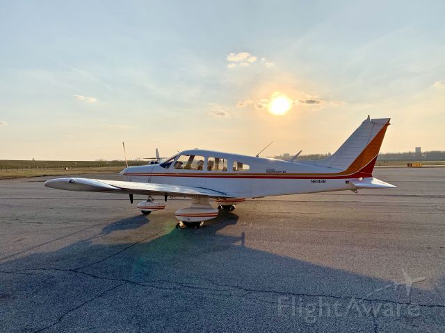 Piper Cherokee (N21428) - Good ol' 428 out in the evening sun