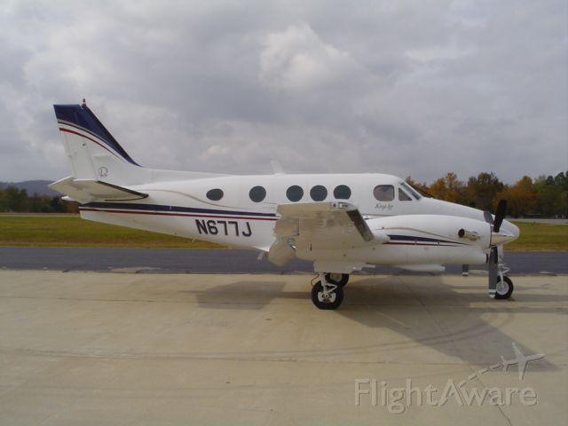 Beechcraft King Air 90 (N677J) - King Air E-90