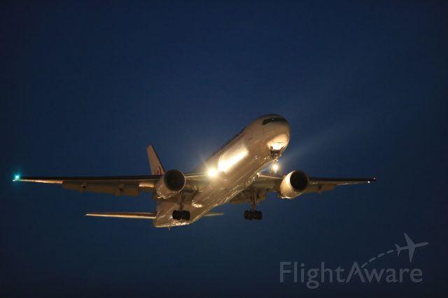 BOEING 767-300 (JA657J) - September 5th 2017:HND-HKD.
