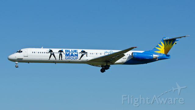 McDonnell Douglas MD-83 (N405NV) - 07-18-2013 Landing runway 21