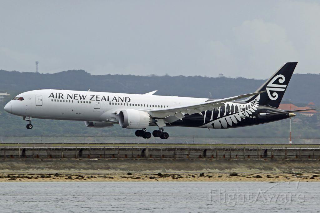 Boeing Dreamliner (Srs.8) (ZK-NZH)