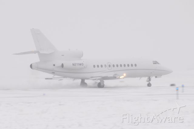Dassault Falcon 900 (N211WG) - Another Snow White Falcon