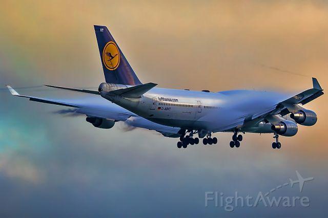 Boeing 747-400 (D-ABVT)