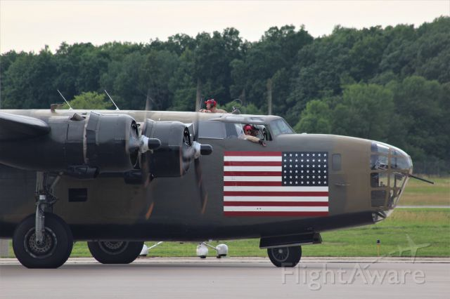 Consolidated B-24 Liberator (N24927) - B-24 Diamond Lil ARRIVING AT Appleton.<br /><br />God Bless the USA!!