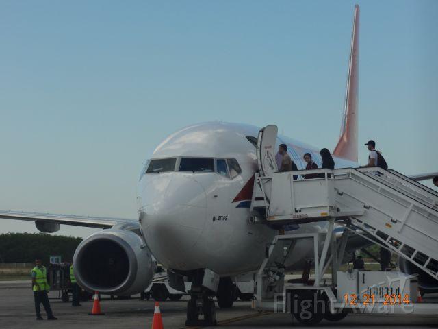Boeing 737-800 — - Parking Holguín.