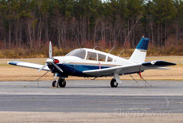 Piper Cherokee Arrow (N7674J)