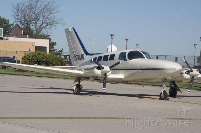 Cessna 402 (N274MR)