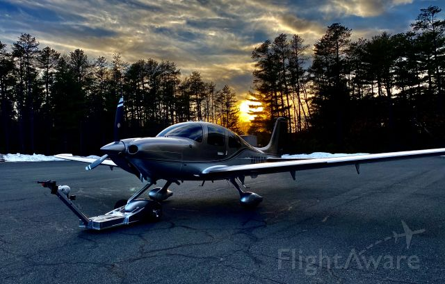 Cirrus SR-22 (N413AC) - Winter sunset!