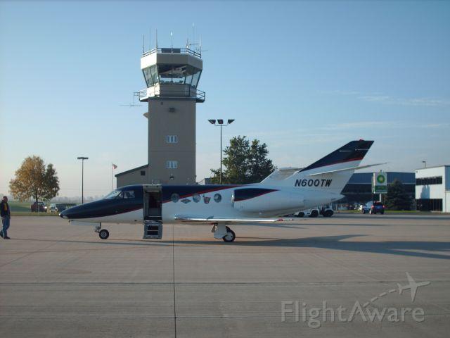 Dassault Falcon 10 (N600TW)