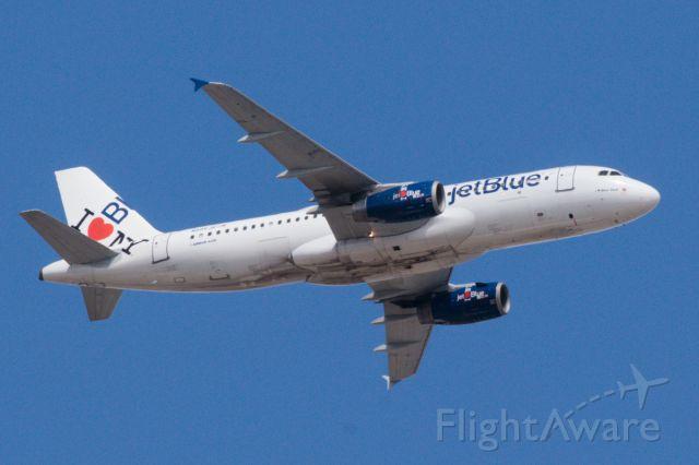 Airbus A320 (N586JB)