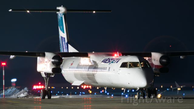de Havilland Dash 8-400 (C-FWEZ)