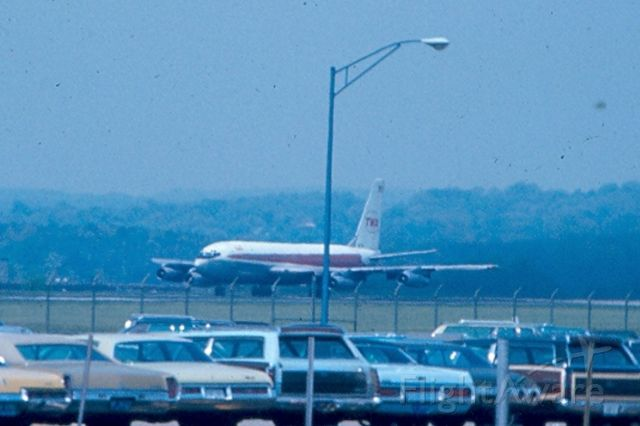 Boeing 720 — - TWA Boeing 720 starting Take Off roll on runway 15, KBWI, circa 1965-70.  Another D--- light pole intruding.