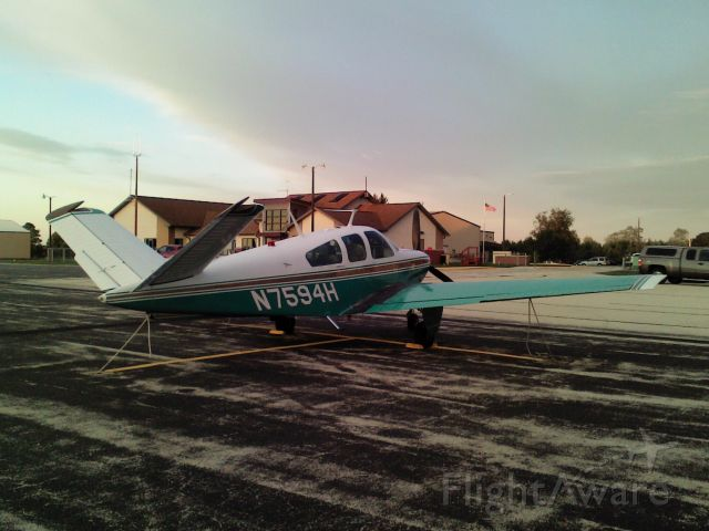 Beechcraft 35 Bonanza (N7594H)