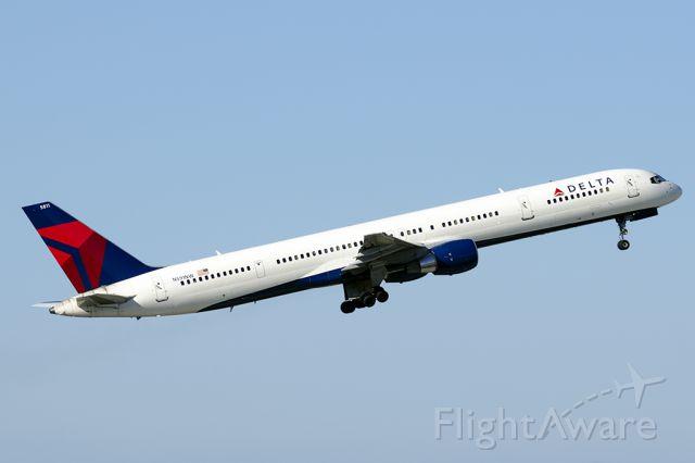 BOEING 757-300 (N591NW)
