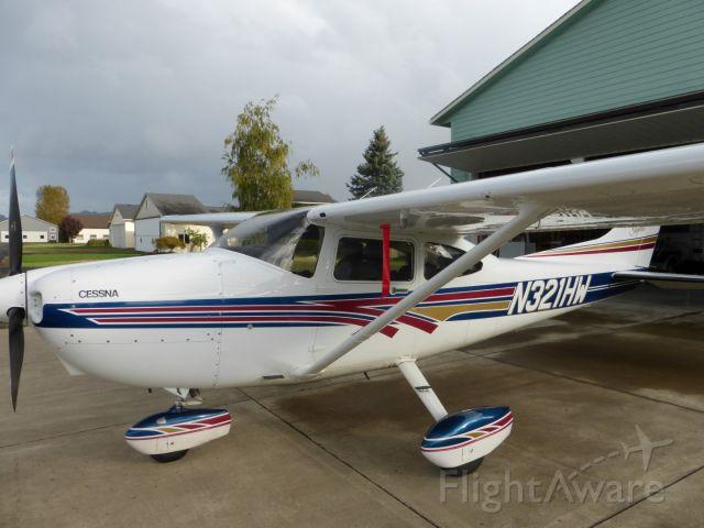 Cessna Skylane (N321HW)