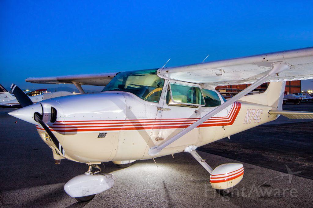 Cessna Skyhawk (N74C)
