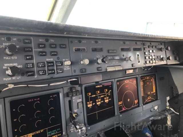 McDonnell Douglas DC-10 (N330AU)
