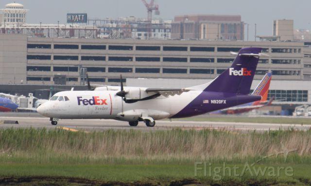 Aerospatiale ATR-42-300 (N920FX)
