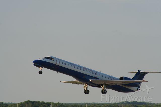 Embraer ERJ-145 (N812HK)