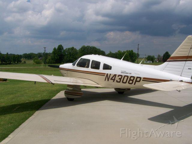 Piper Cherokee (N4308P)
