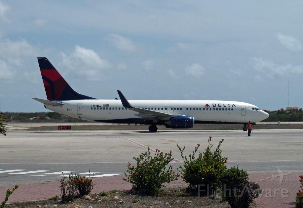 Boeing 737-800 (N378DA)
