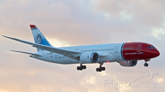 """Boeing 787-8 (EI-LNE) - New addition to the Norwegian fleet """"Roald Amundsen"""" on short final for Runway 10L about ten minutes before a beautiful sunset."""