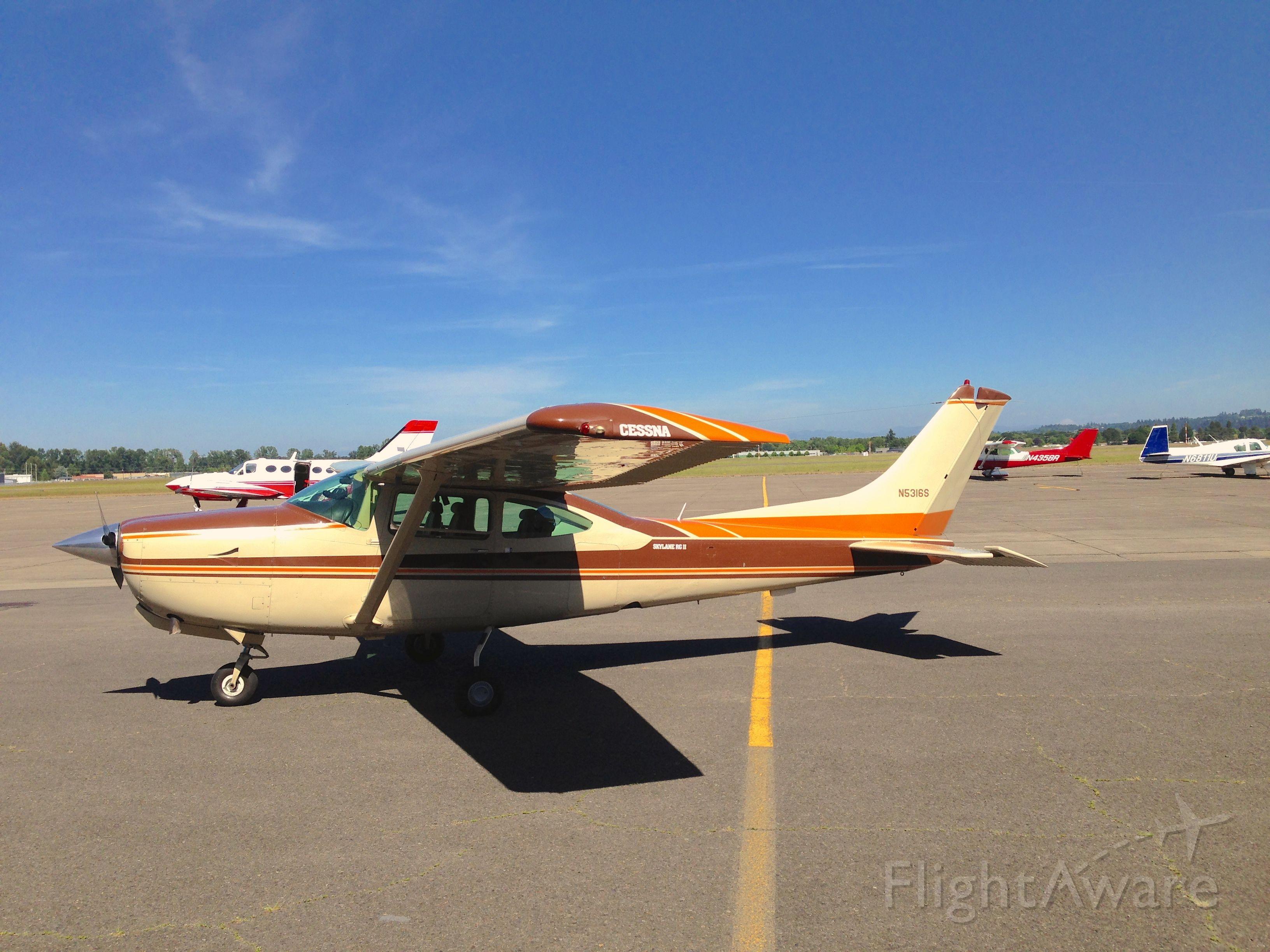 Cessna Turbo Skylane RG (N5316S)