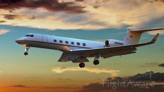 Gulfstream Aerospace Gulfstream IV (N915BD) - Landing at Sky Harbor