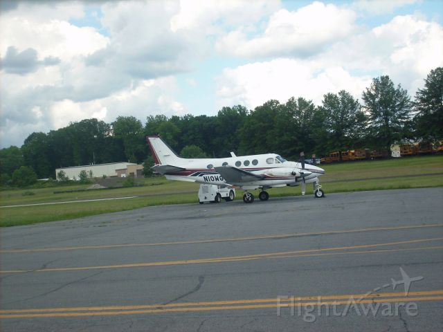 Beechcraft King Air 90 (N10WG) - A nice King Air E90 parked on the ramp at the Doylestown Airport in Pennsylvania. The aircraft belongs to Leading Edge Avation. This picture was taken a few days before I saw it takeoff to Washington DC and then go on to Newerk and then back to the Doylestown Airport in Pennsylvania again.