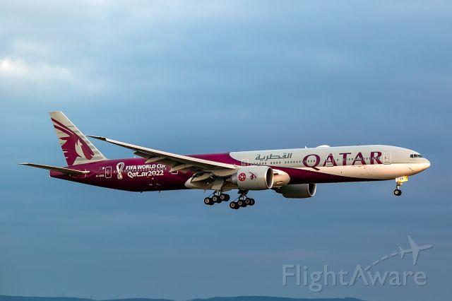 BOEING 777-300ER (A7-BEB)