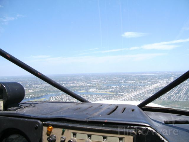 N4583Z — - on crosswind for rwy 9 over i-95