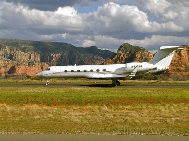 Gulfstream Aerospace Gulfstream V (N418SG) - G5 back-taxing to depart Sedona Airport, KSEZ