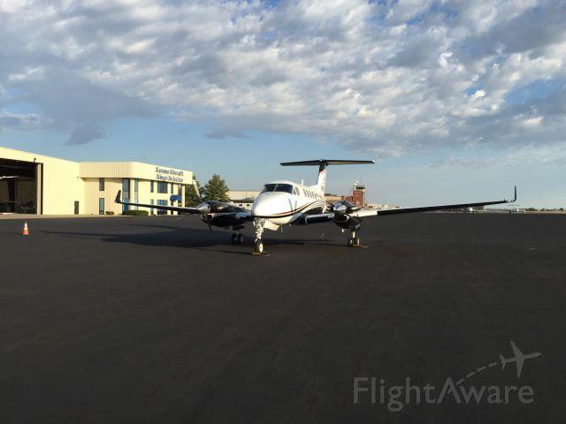Beechcraft Super King Air 200 (N411MH)