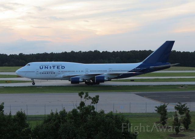 Boeing 747-400 (N194UA) - Military charter to ORD