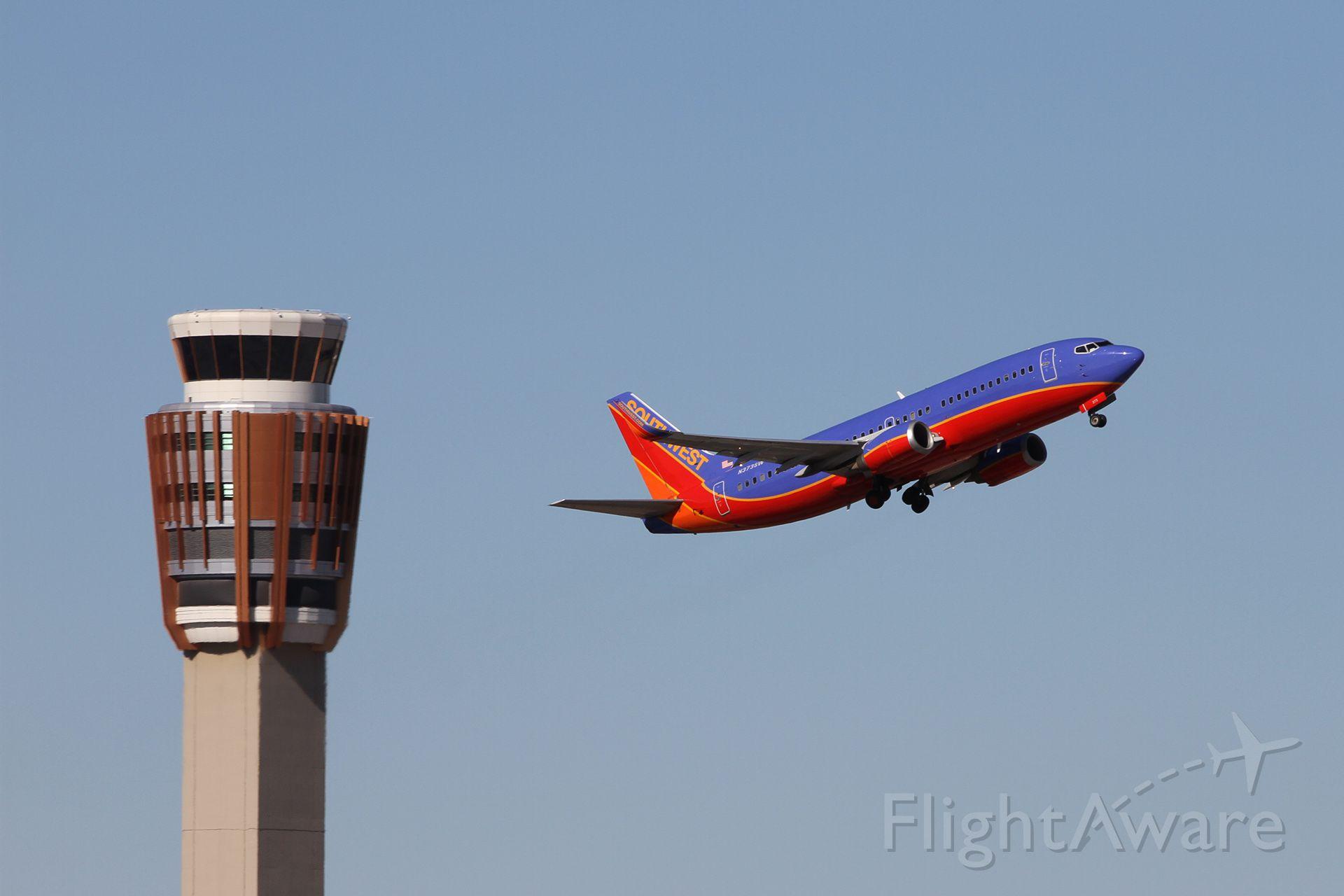 BOEING 737-300 (N373SW)