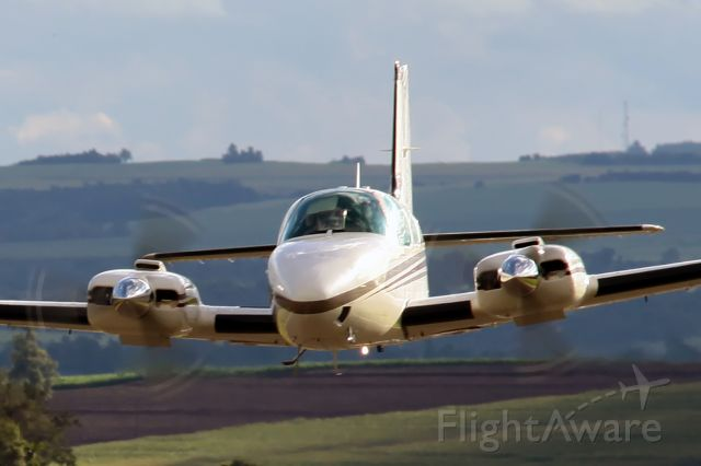 Beechcraft Baron (58) (PR-VTA) - IGUARACU AIRPORT (SSHN)BRAZIL