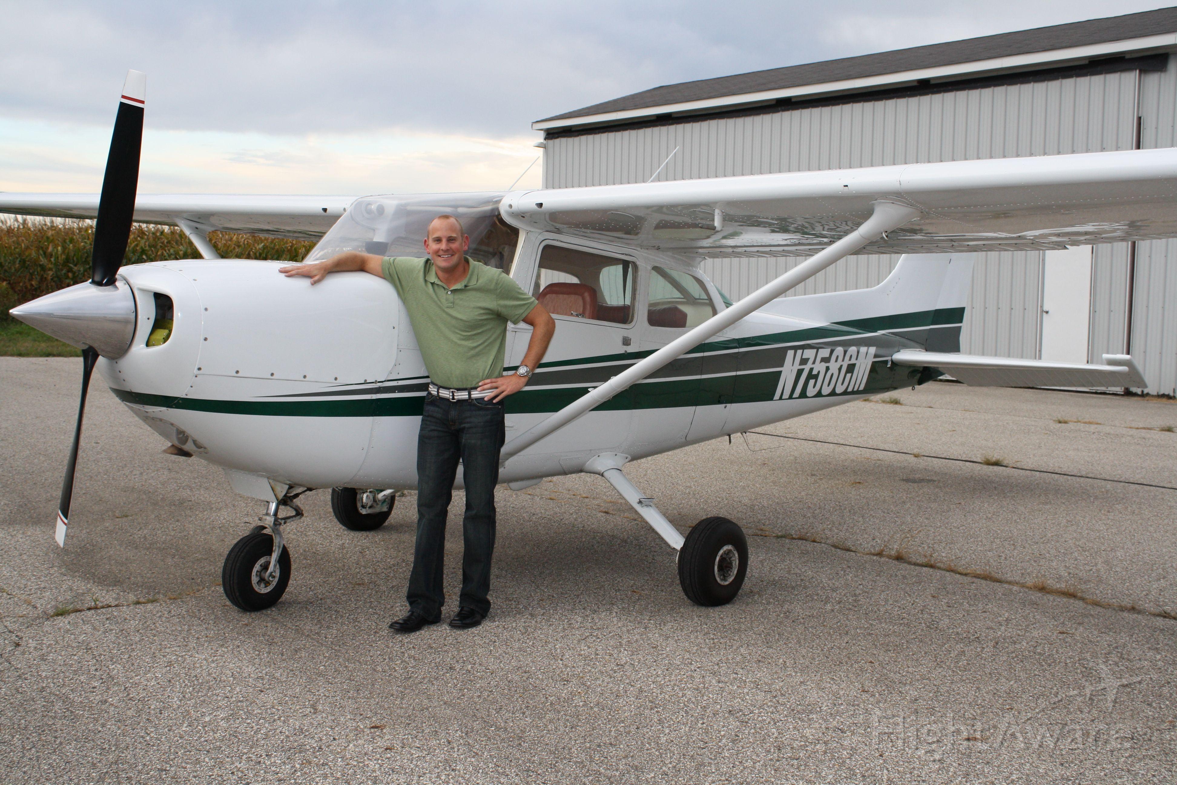 Cessna Skyhawk (N758CM)