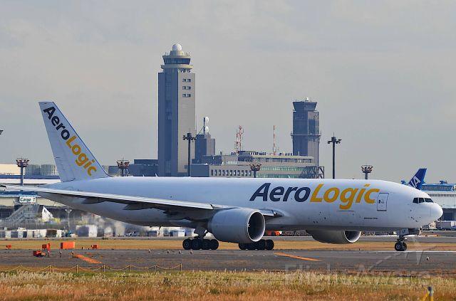 BOEING 777-200LR (D-AALF) - I take a picture on Nov 22, 2017.<br />BOX590/Nov22  NRT-HKG