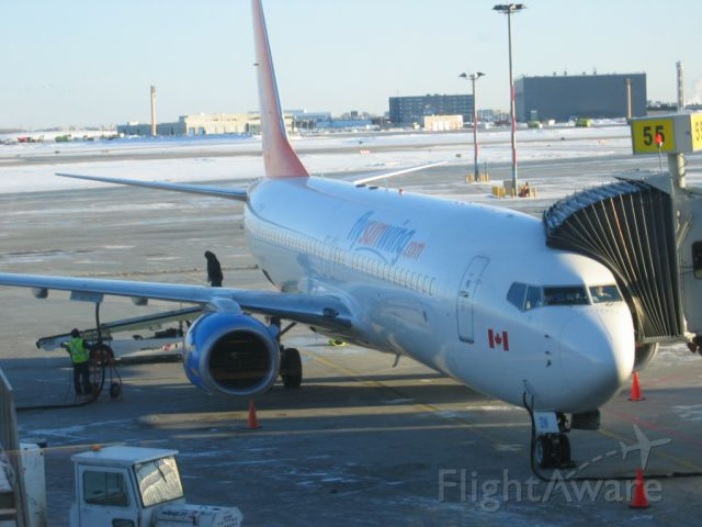 Boeing 737-800 (C-GDZE) - Parking at Trudeau Montreal